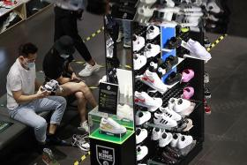 Retail sales slump eases to 27.8% fall