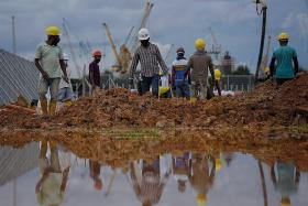 265,000 foreign workers can return to work: MOM