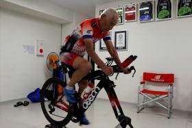 Hiromu Inada, 87, competed in his first triathlon at the age of 70.