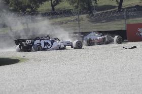 Lewis Hamilton wins crash-strewn Tuscan Grand Prix