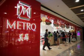 Shoppers at Black Friday sales at Metro Paragon