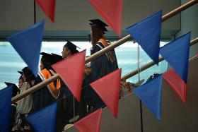 Fresh poly graduates had tougher time getting jobs last year