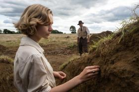 Carey Mulligan (left) and Ralph Fiennes in The Dig