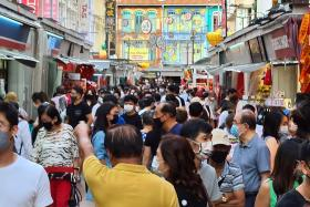 Chinatown so crowded that safe distancing is not possible