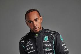 No rush for Lewis Hamilton to commit, says ex-champion Damon Hill