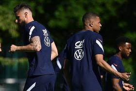 Strikers' spat won't affect French squad: Michel Sablon