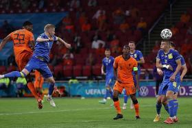 Frank de Boer's Dutch team on thin ice: Richard Buxton
