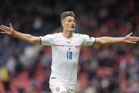 Schick sizzles with a double for Czech Republic