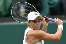 Barty defeats Kerber to reach her first Wimbledon final