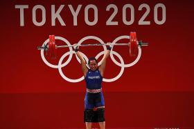 Philippines get historic first gold through weightlifter Diaz