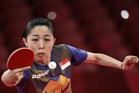 Singapore paddler Yu Mengyu has reached the women's singles semi-finals.