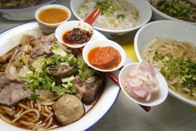 (Above) The original beef noodles with four sauces, the premium version features oxtail and the team behind Horiginal Beef Noodle.