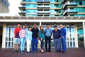While in Melbourne, Mr Ronald Perera (third from right) set up the Singapore Australia Association for Singaporeans there to bond over shared experiences.