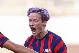 Rapinoe, Lloyd fire US women to football bronze