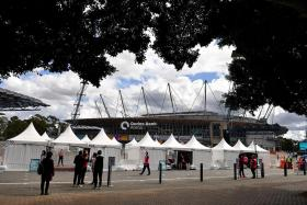 Sydney's nightly curfew to end as Covid-19 jabs hit milestone