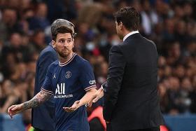 Pochettino defends Messi substitution