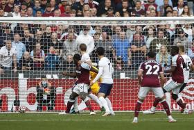 Michail Antonio delivers hammer blow to Spurs