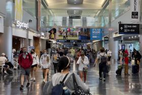 US imposes new vaccination rules for foreign air travellers