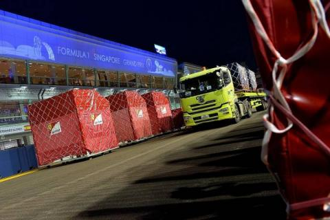 F1 Top Rolls Into Town