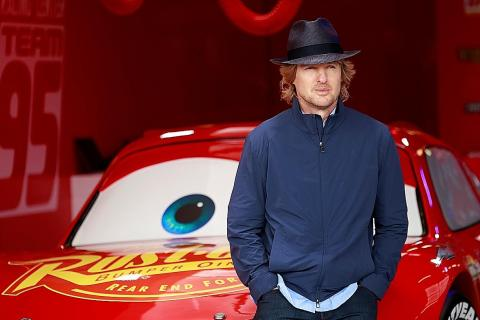 Playing Lightning Mcqueen Gives Owen Wilson Street Cred With His