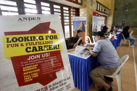 Rise in job seekers unemployed for 25 weeks or more, Latest