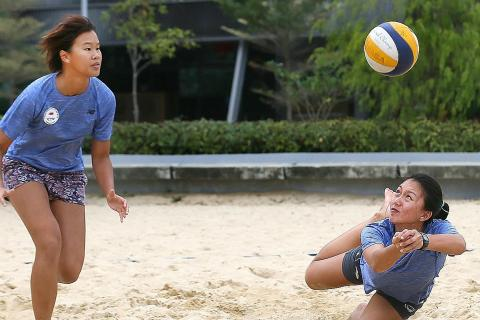 Beach volleyball trailblazers serve without fear, Latest Team