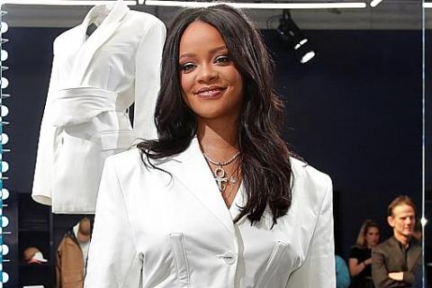 8d7dcc592fb290 Rihanna launches new fashion brand in Paris with LVMH, Latest Music ...