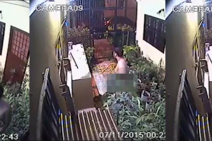 Naked man caught masturbating in alley, Latest World News