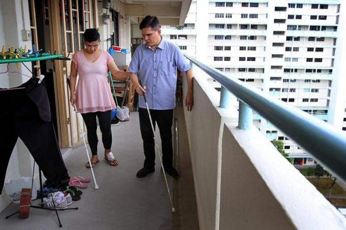 people for links help sponsored blind app blinds android or video visually the with impaired to calls