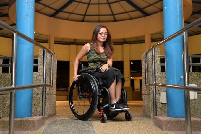 Woman who fell into SMRT escalator gap I thought I was