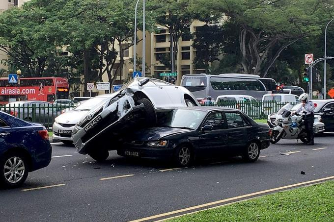 Car Lands On Another In 3 Car Crash Latest Singapore News