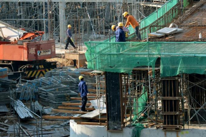 Worksites to have daily safety meetings, Latest Singapore