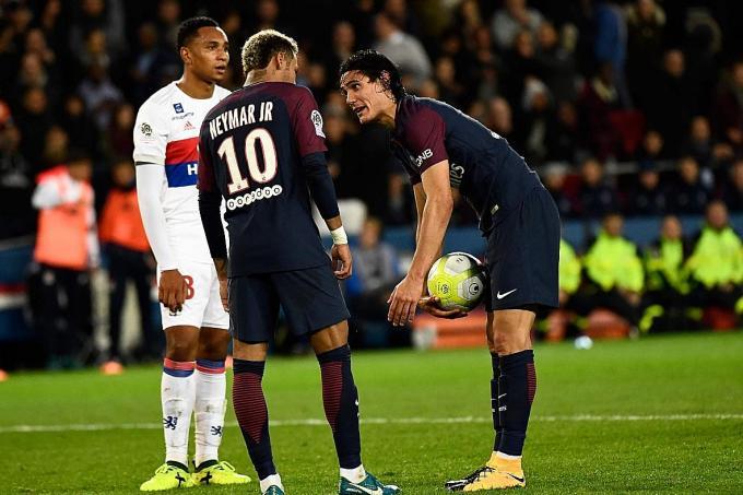 PSG: Cavani soutient qu'il n'est pas important pour Neymar et lui d'être des amis