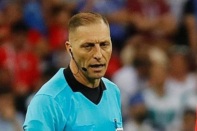 Former refs disagree on France penalty, Latest Football News - The New Paper