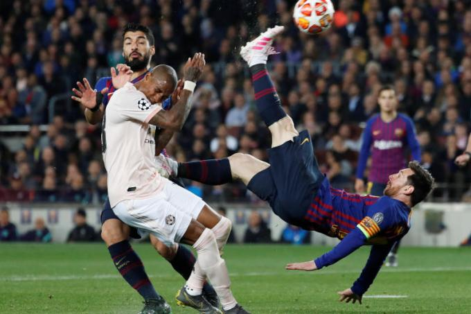 Three and easy as barca defeat manchester united 3 0 latest football news the new paper - Messi bicycle kick assist ...