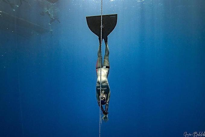 Singapore freediver sets new national record
