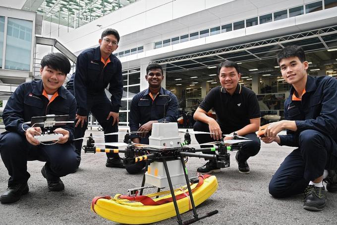 tnp.sg - ITE students developing life-saving drones